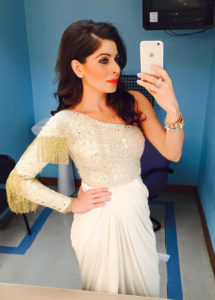 Kanika Kapoor Wiki, Bio, Affairs, Husband, Profile, ImagesKanika Kapoor Wiki, Bio, Affairs, Husband, Profile, Images