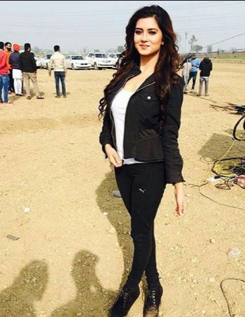 Aakanksha Sareen Punjabi Model Wiki,Bio,Age,Profile   Full Details