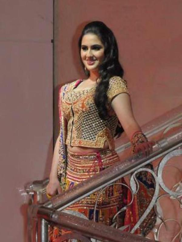 Sara Ali Khan Wiki,Bio,Age,Profile,Boyfriend,Images | Full Details