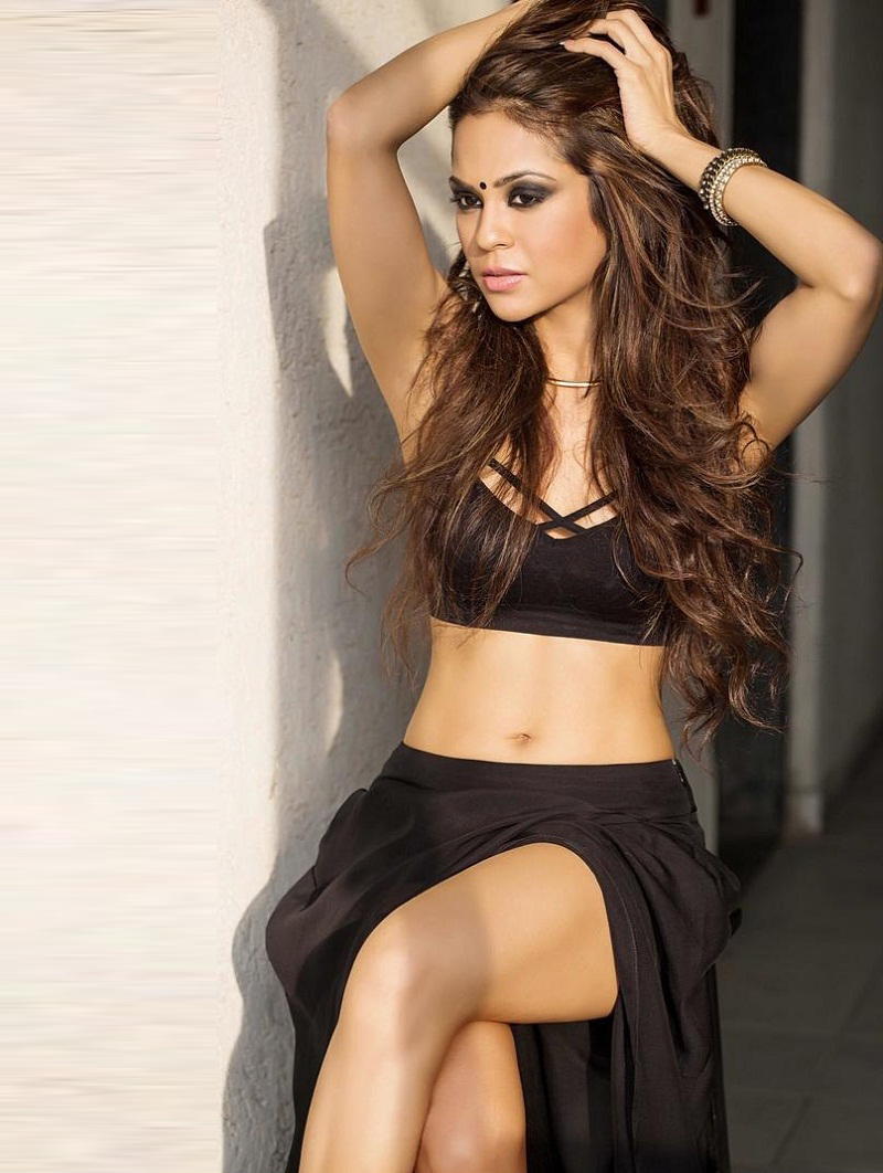Sana Saeed Big Boss 11 Contestant Wiki,Bio,Age,Profile,Images,Boyfriend | Full Details