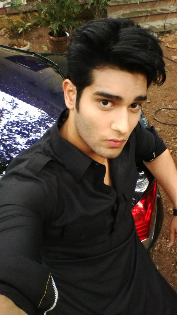 Abhishek Malik Big Boss 11 Contestant Wiki,Bio,Age,Profile,Images,Girlfriend | Full Details