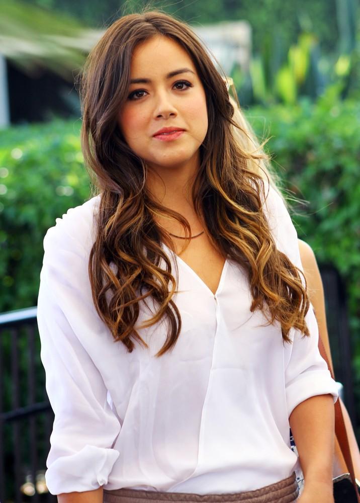Chloe Bennet Wiki,Bio,Age,Profie,Images,Boyfriend,Singer | Full Details