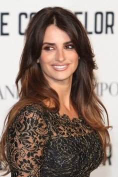 Penelope Cruz Wiki,Bio,Age,Profile,Images,American Crime Story,Boyfriend | Full Details