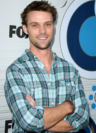 Robert Chase Wiki,Bio,Age,Profile,Images,Girlfriend,90's House | Full Details